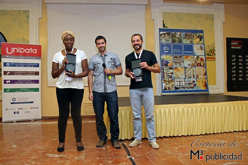 entrega premios microponencias