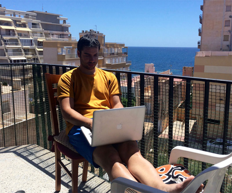 trabajar-desde-la-playa